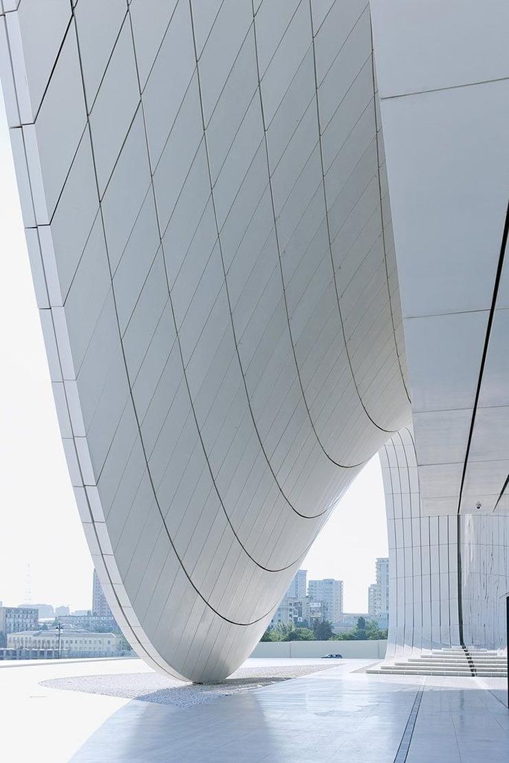 Heydar-Aliyev-Zaha-Hadid  Best architectural design of 2014: Zaha Hadid's Heydar Aliyev Centre Heydar Aliyev Zaha Hadid 3