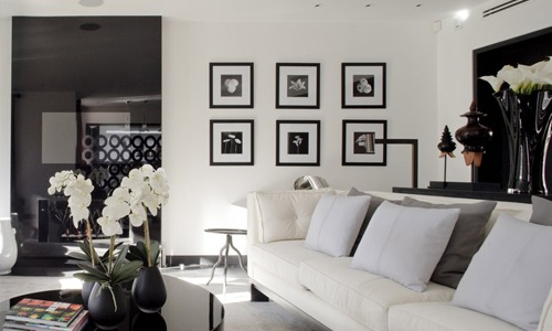3  LEADING INTERIOR DESIGNER: KELLY HOPPEN 3