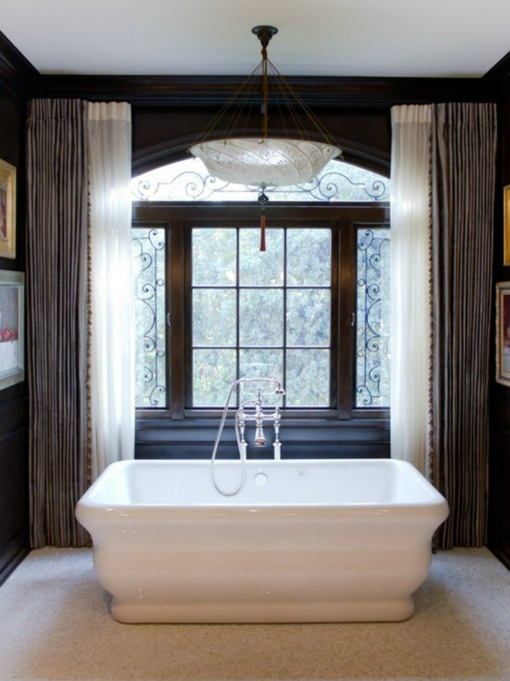 traditional-bathroom1  BEST INTERIOR DESIGNERS: CHARMEAN NEITHART traditional bathroom1