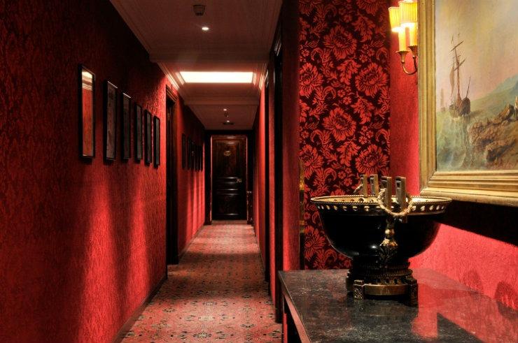 Château Les Crayères corridor  Best Interior Designers | Pierre Yves-Rochon Ch  teau Les Cray  res corridor