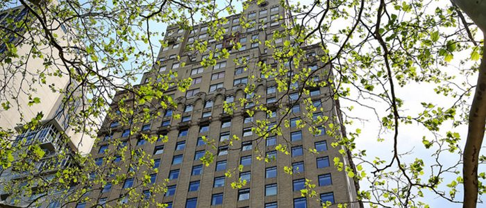 A Hint of Versailles on Central Park South_01  A Hint of Versailles on Central Park South interior designer by  Michael S. Smith A Hint of Versailles on Central Park South 01 700x300