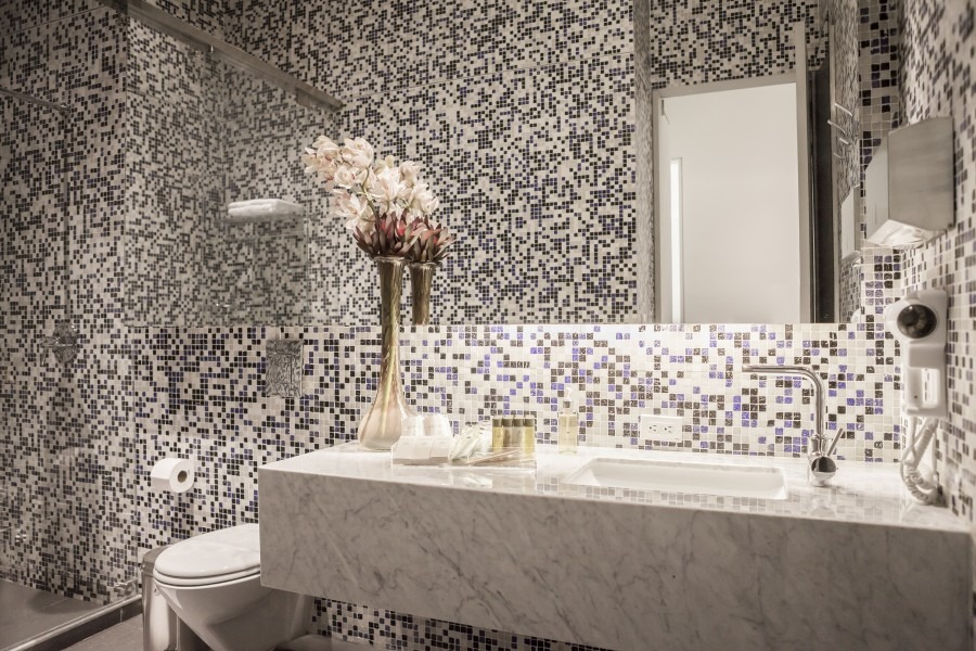 """latam airlines bathroom""  Best Interior Design Projects Studio Putman Salon VIP Latam Airlines 5 e1431005867298"