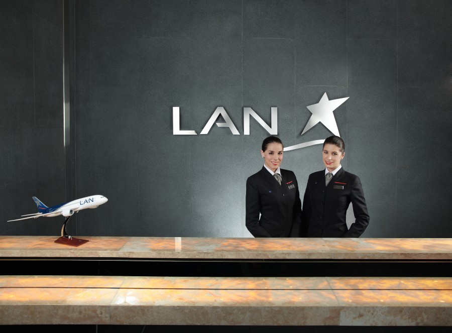"""latam airlines reception""  Best Interior Design Projects Studio Putman Salon VIP Latam Airlines e1431005779290"
