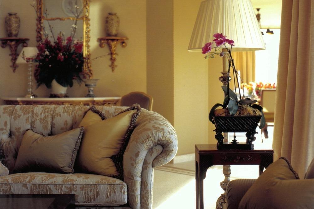 Best Interior Designer* Phillip Silver  Best Interior Designer* Phillip Silver CG21