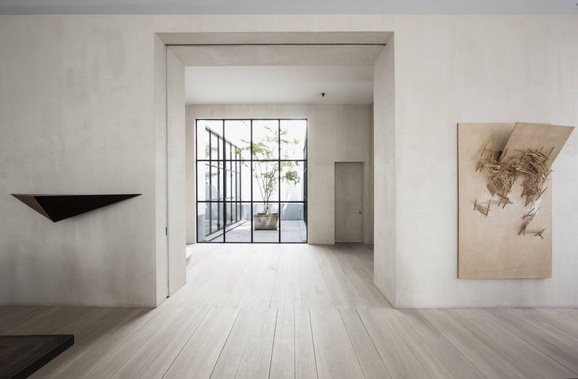 top interior designers vincent van duysen page 10. Black Bedroom Furniture Sets. Home Design Ideas