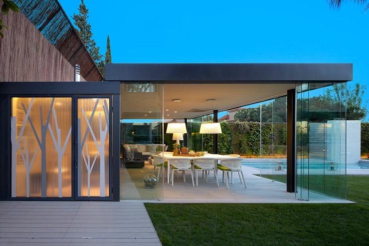 TOP INTERIOR DESIGNERS | MOLINS INTERIORS  TOP INTERIOR DESIGNERS | MOLINS INTERIORS Arquitectura exterior jardin urbano Molins Interiors 012