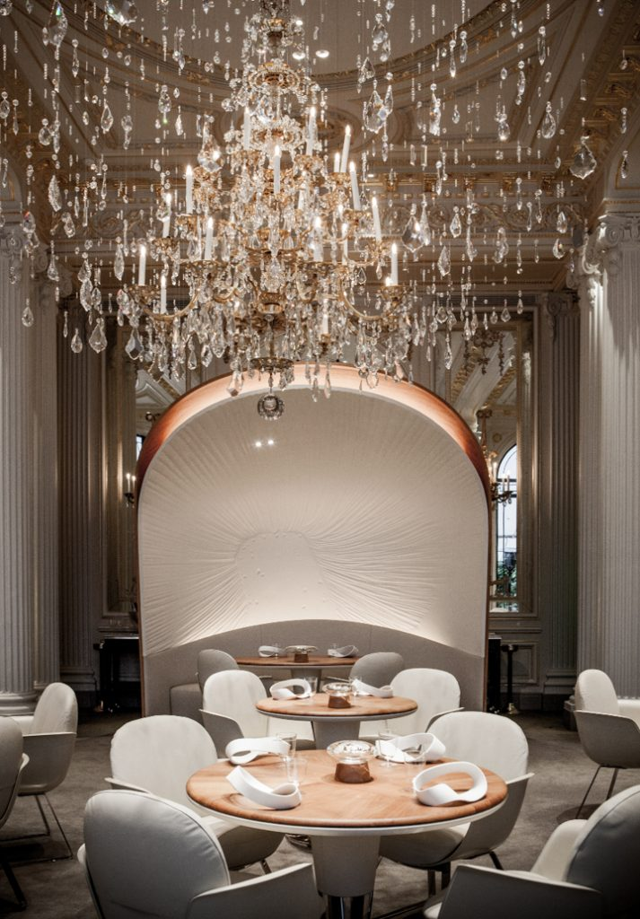 Hotel plaza ath n e by patrick jouin for Best interior designers