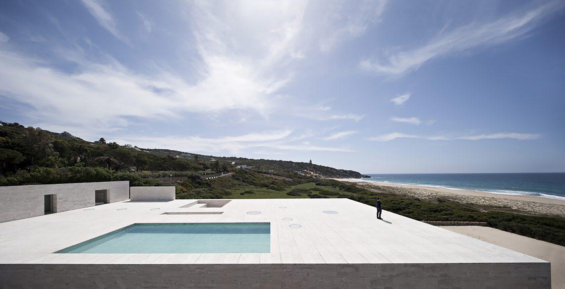 House-Of-The-Infinite-In-Cádiz-Spain-10