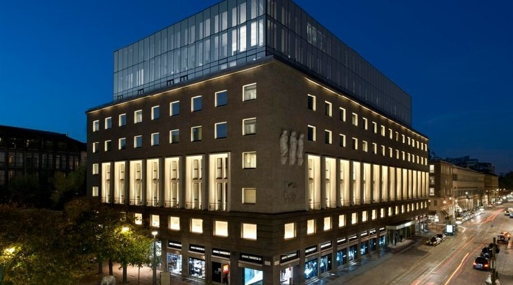 TOP DESIGNERS EMAAR UAE Armani Hotel Milano  TOP INTERIOR DESIGNERS | EMAAR PROPERTIES TOP DESIGNERS EMAAR UAE Armani Hotel Milano1
