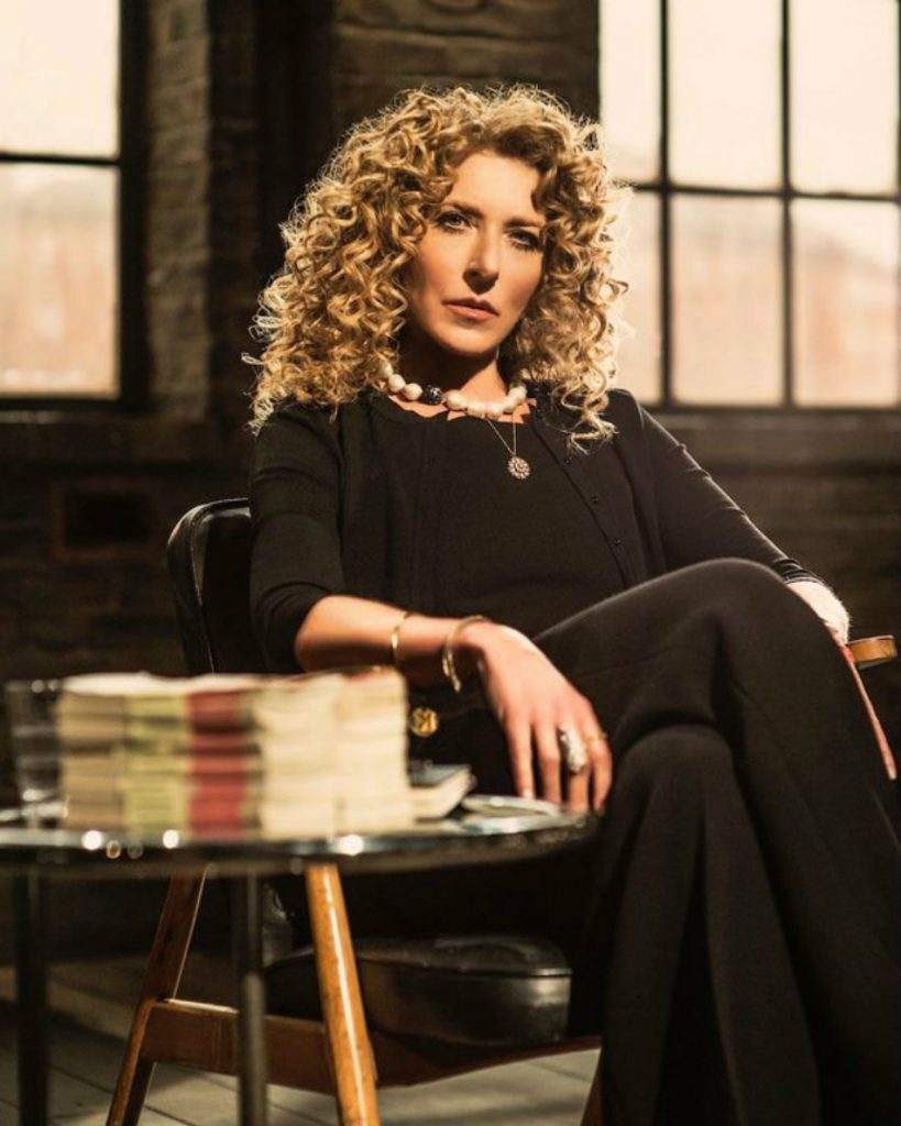 kelly hoppen dragons den kelly hoppen Top Interior Designer| Kelly Hoppen kelly hoppwn dragons den1