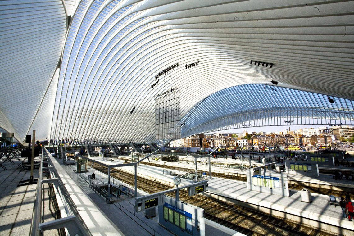santiago-calatrava-The Liège-Guillemins Railway Station-2 santiago calatrava Top Architects | Santiago Calatrava santiago calatrava The Li  ge Guillemins Railway Station 2