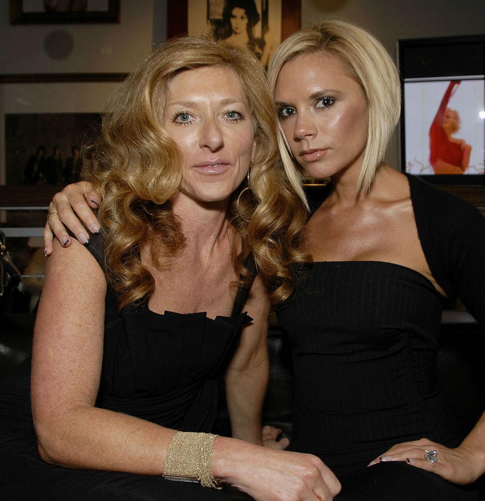 victoria-beckham-kelly hoppen-book-launch-02 kelly hoppen Top Interior Designer| Kelly Hoppen victoria beckham kelly hoppen book launch 02