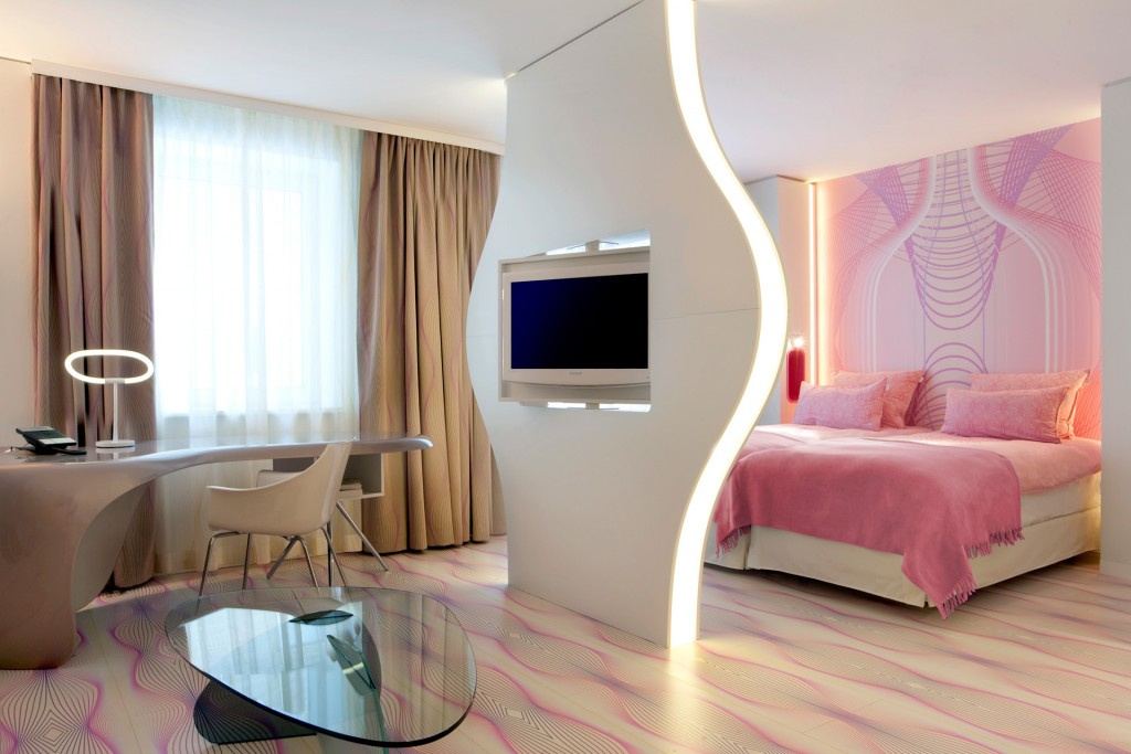 top-interior-designers-karim-rashid-interior-design-nhow Nhow Hotel in Berlin by Karim Rashid Nhow Hotel in Berlin by Karim Rashid top interior designers karim rashid interior design nhow
