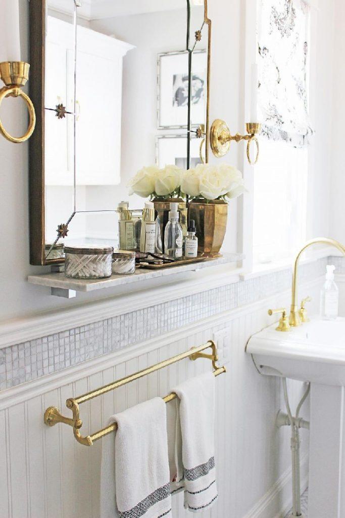 Sarah Richardson contemporary Victorian-style bathroom  25 best interior design projects by Sarah Richardson 19 Sarah Richardson contemporary Victorian style bathroom