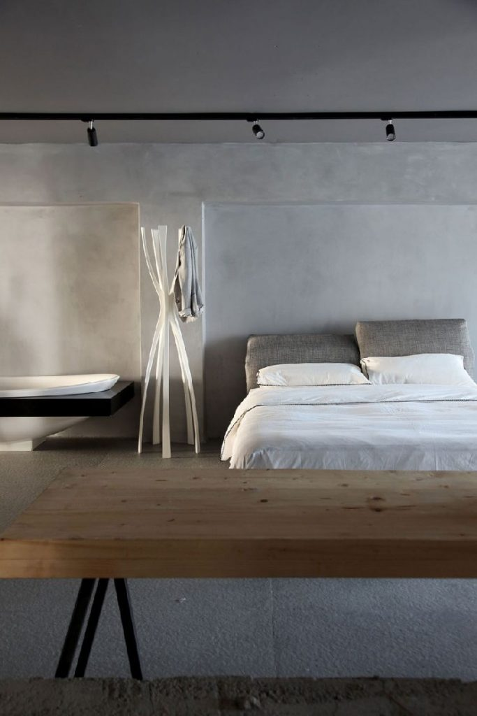Urquiola Faliro Loft bedroom patricia urquiola 50 Best Interior Design Projects by Patricia Urquiola 37 Patricia Urquiola Faliro Loft bedroom