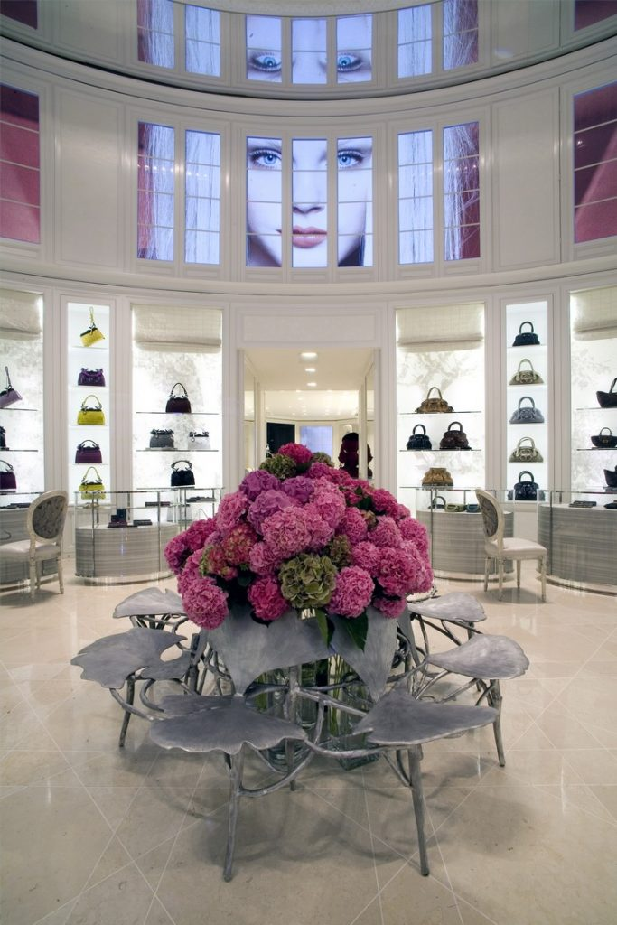 Are You a Dior Fan? Then This Book is For You dior Are You a Dior Fan? Then This Book is For You Best Interior Designers Peter Marino Dior Store 1