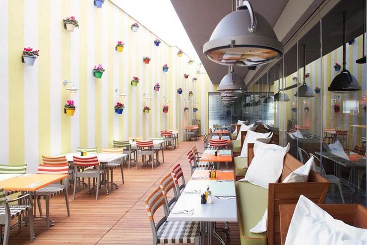 Philippe Starck - mama-shelter-istanbul-colazione philippe starck 50 Best Interior Design Projects by Philippe Starck Philippe Starck mama shelter istanbul colazione