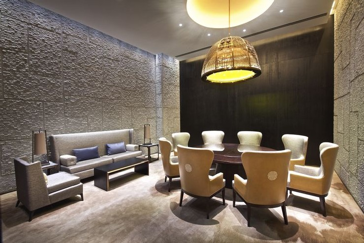 Hirsch Bedner Associates nuo hotel suite business room  25 Best Interior Design Projects by HBA / Hirsch Bedner Associates 14 Hirsch Bedner Associates nuo hotel suite business room