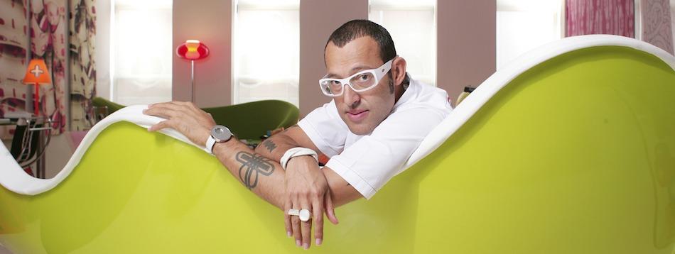 Karim Rashid - The contemporary designer ➤ Discover the season's newest designs and inspirations. Visit us at www.bestinteriordesignerprojects.eu #bestinteriordesigners #topinteriorprojects #bestdesignprojects @BestID
