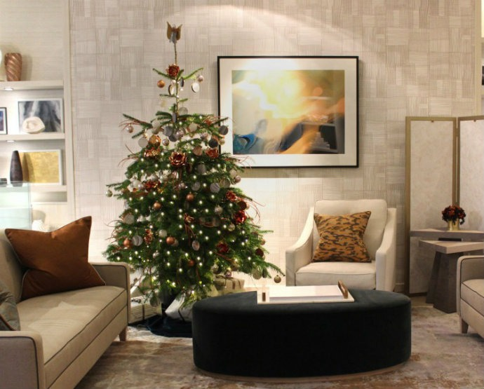 Christmas Décor Ideas - Decorate your living room with Helen Green➤ Discover the season's newest designs and inspirations. Visit us at www.bestinteriordesigners.eu #bestinteriordesigners #topinteriordesigners #bestdesignprojects @BestID Christmas Décor Ideas Christmas Décor Ideas: Decorate your living room with Helen Green Christmas D  cor Ideas Decorate your living room with Helen Green6