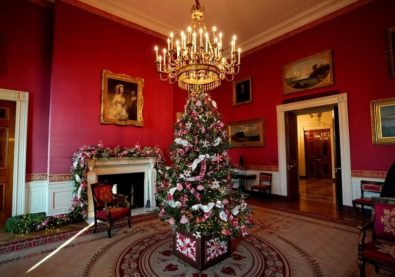 2017 White House Christmas Decorations in Pictures white house christmas decorations Try Out a 360 Holiday Tour at the White House Christmas Decorations Melania Trump Reveals White House Christmas Decorations for This Year Best Interior Designers Christmas 2017 White House Christmas Tours 2017 10