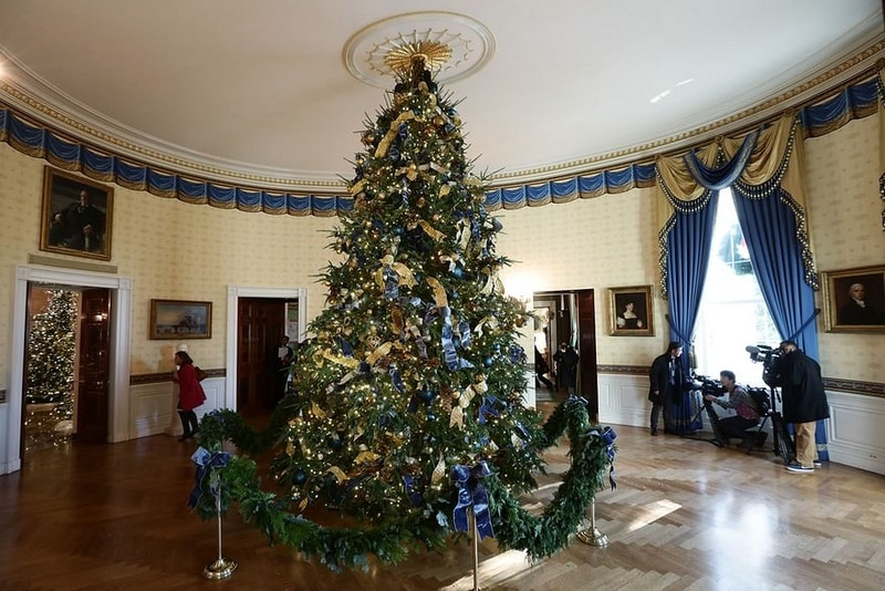 2017 White House Christmas Decorations in Pictures white house christmas decorations Try Out a 360 Holiday Tour at the White House Christmas Decorations Melania Trump Reveals White House Christmas Decorations for This Year Best Interior Designers Christmas 2017 White House Christmas Tours 2017 11