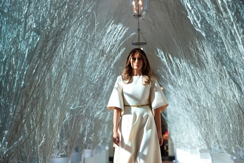 Melania Trump Reveals Christmas Decorations at the White House for This Year - Best Interior Designers - Christmas 2017 - White House Christmas Tours 2017 ➤ Discover the season's newest designs and inspirations. Visit Best Interior Designers! #bestinteriordesigners #topinteriordesigners #ChristmasDecorations #Christmas2017 #WhiteHouseChristmas #MelaniaTrump @BestID white house christmas decorations Melania Trump Reveals White House Christmas Decorations for This Year Melania Trump Reveals White House Christmas Decorations for This Year Best Interior Designers Christmas 2017 White House Christmas Tours 2017 17