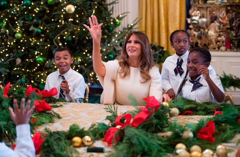 Melania Trump Reveals Christmas Decorations at the White House for This Year - Best Interior Designers - Christmas 2017 - White House Christmas Tours 2017 ➤ Discover the season's newest designs and inspirations. Visit Best Interior Designers! #bestinteriordesigners #topinteriordesigners #ChristmasDecorations #Christmas2017 #WhiteHouseChristmas #MelaniaTrump @BestID white house christmas decorations Melania Trump Reveals White House Christmas Decorations for This Year Melania Trump Reveals White House Christmas Decorations for This Year Best Interior Designers Christmas 2017 White House Christmas Tours 2017 18