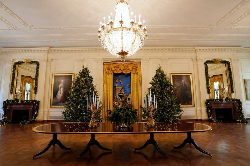 2017 White House Christmas Decorations in Pictures white house christmas decorations Try Out a 360 Holiday Tour at the White House Christmas Decorations Melania Trump Reveals White House Christmas Decorations for This Year Best Interior Designers Christmas 2017 White House Christmas Tours 2017 8