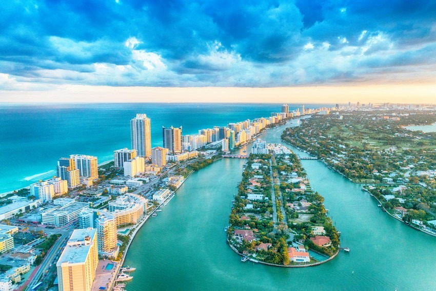 Miami's Ultimate Design Guide For 2018! - Discover the season's newest designs and inspirations. Visit Best Interior Designers! #bestinteriordesigners #Design #Miami #TopInteriorDesigners @BestID miami TOP 10 Interior Designers * Miami, Florida Miamis Ultimate Design Guide For 2018 2