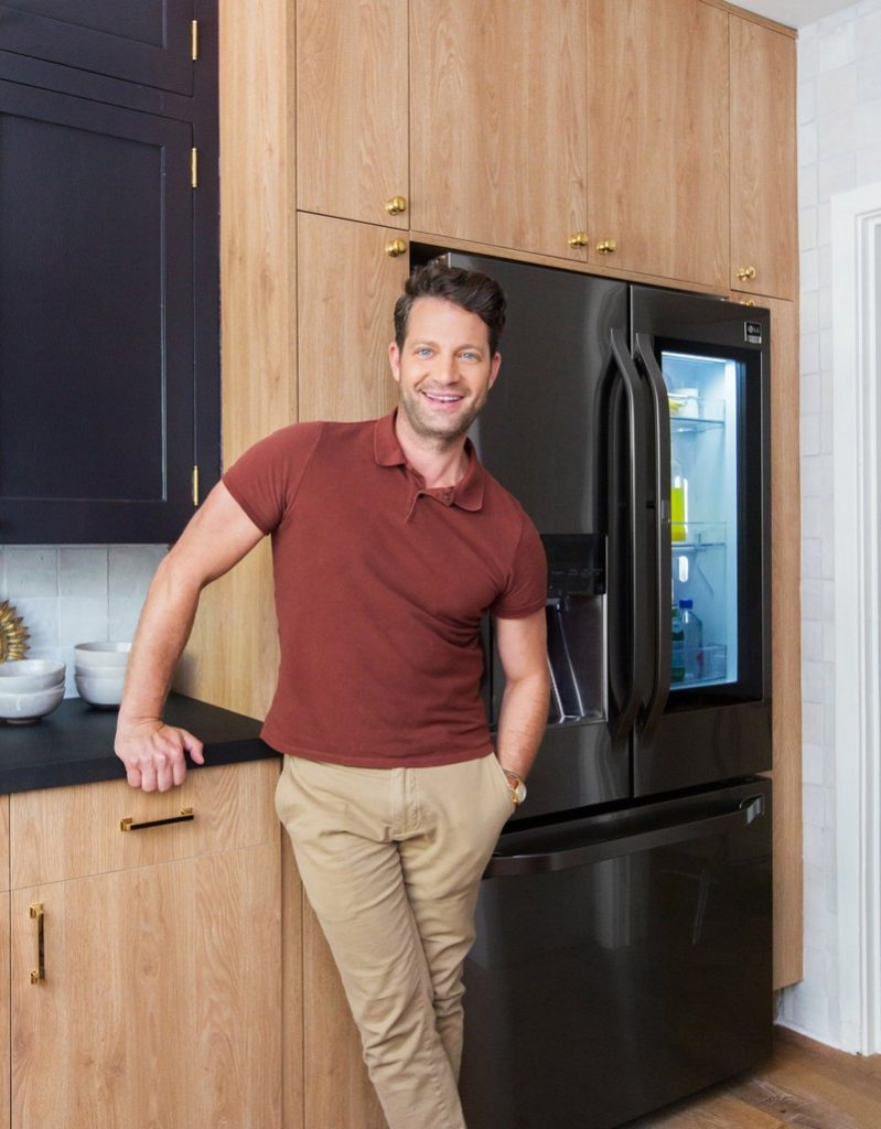 The Vintage Design of Nate Berkus's Showroom Kitchen - Discover the season's newest designs and inspirations. Visit Best Interior Designers! #bestinteriordesigners #NateBerkus #TopInteriorDesigners @BestID vintage design The Vintage Design of Nate Berkus's Showroom Kitchen The Vintage Design of Nate Berkuss Showroom Kitchen 2