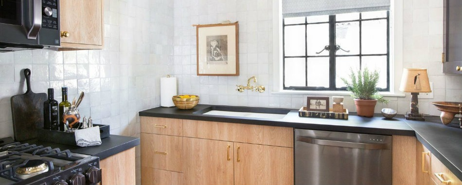 The Vintage Design of Nate Berkus's Showroom Kitchen - Discover the season's newest designs and inspirations. Visit Best Interior Designers! #bestinteriordesigners #NateBerkus #TopInteriorDesigners @BestID