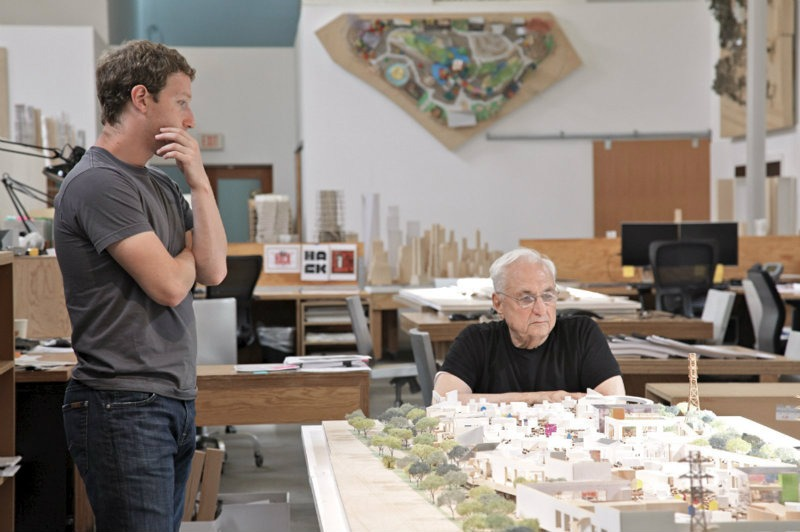5 Architectonic Wonders of Frank Gehry #bestinteriordesigners #FrankGehry #TopInteriorDesigners @BestID frank gehry 5 Architectonic Wonders of Frank Gehry facebook new campus frank gehry 04everett katigbak facebook