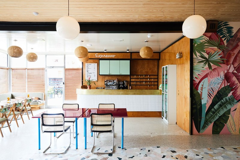 Discover the Amazing Mid-Century Revamp Of A Smal New Orleans Hotel #bestinteriordesigners #luxurydesign #TopInteriorDesigners @BestID New Orleans Discover the Amazing Mid-Century Revamp Of A Smal New Orleans Hotel Discover the Amazing Mid Century Revamp Of A Smal New Orleans Hotel 2