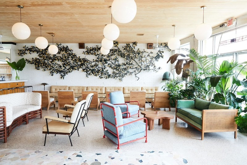 Discover the Amazing Mid-Century Revamp Of A Smal New Orleans Hotel #bestinteriordesigners #luxurydesign #TopInteriorDesigners @BestID New Orleans Discover the Amazing Mid-Century Revamp Of A Smal New Orleans Hotel Discover the Amazing Mid Century Revamp Of A Smal New Orleans Hotel 5