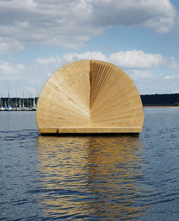 The Amazing Floating Pavillion Artwork by Daewha Kang Daewha Kang The Amazing Floating Pavillion Artwork by Daewha Kang London Based Studio Daewha Kang Created a Floating Pavillion 2