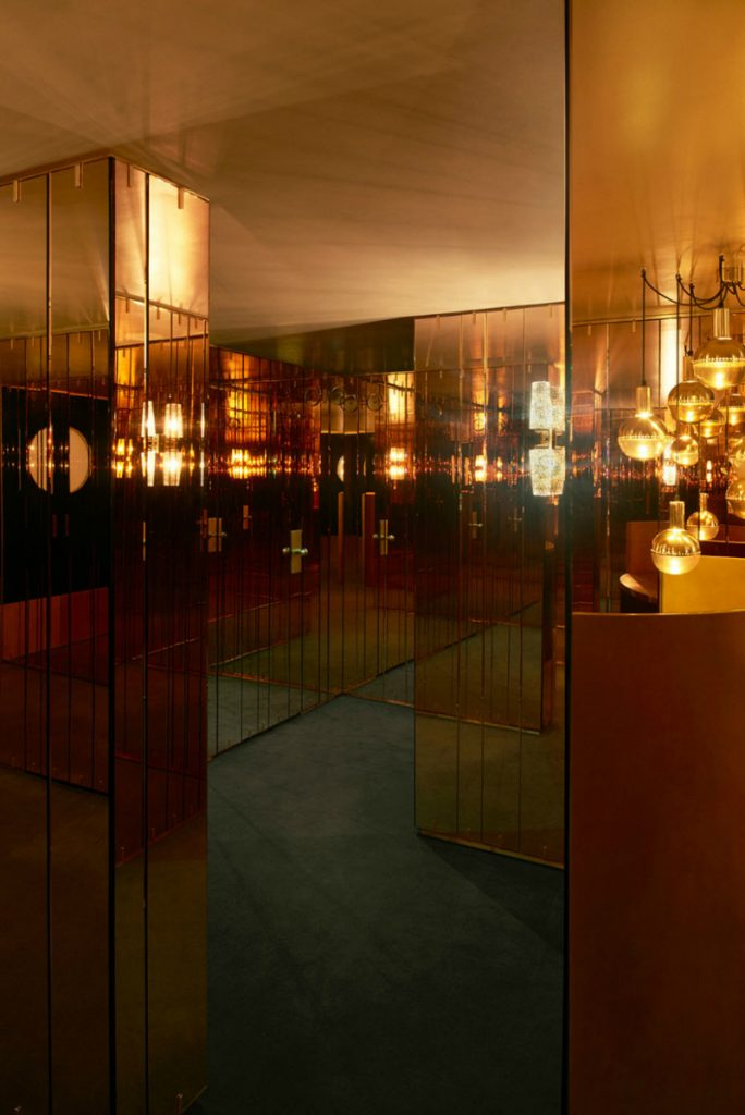 Leo's Art Club London gleaming corridors dimore studio A look at Leo's - The Arts Club London, by Dimore Studio 03