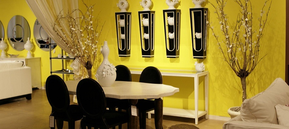 Top Decor Trends for 2013 – Vintage black and yellow dining room