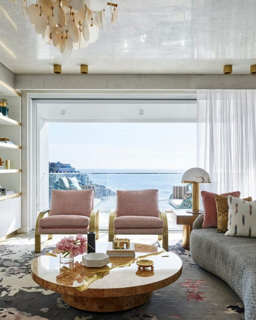 Amazing Examples of Greg Natale's Tailored Residential Interiors luxury interiors Get Inspired by The Combination of Art & Luxury Interiors Amazing Examples of Greg Natales Tailored Residential Interiors 58 scaled