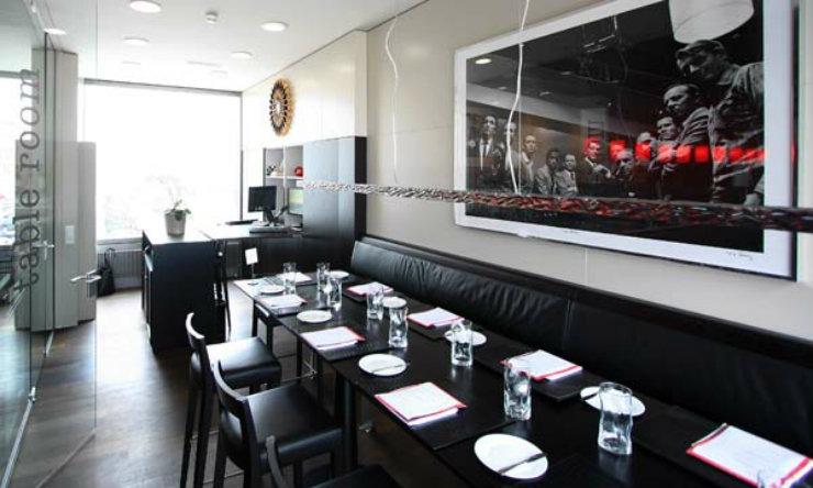 best interior designers-Top Interior Designers Eveline Rossi-Blinker_Table_Room