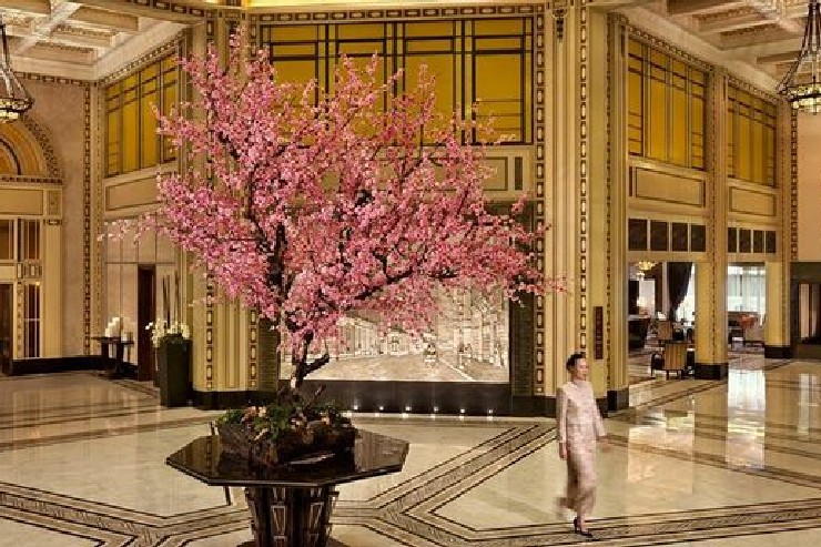 Lobby at Fairmont Peace Hotel, designed by HBA Hirsch Bedner Associates