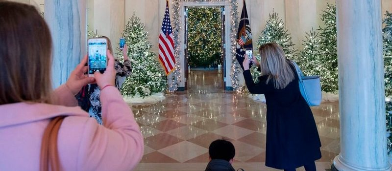 2017 White House Christmas Decorations in Pictures white house christmas decorations Try Out a 360 Holiday Tour at the White House Christmas Decorations Melania Trump Reveals White House Christmas Decorations for This Year Best Interior Designers Christmas 2017 White House Christmas Tours 2017 14 800x350