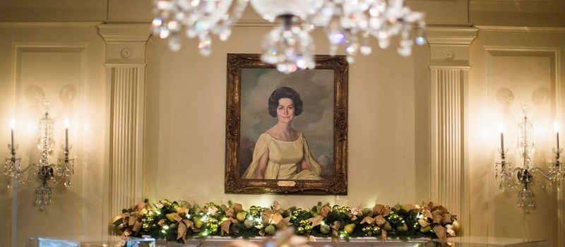 2017 White House Christmas Decorations in Pictures white house christmas decorations Try Out a 360 Holiday Tour at the White House Christmas Decorations Melania Trump Reveals White House Christmas Decorations for This Year Best Interior Designers Christmas 2017 White House Christmas Tours 2017 15 800x350