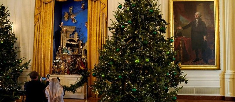 2017 White House Christmas Decorations in Pictures white house christmas decorations Try Out a 360 Holiday Tour at the White House Christmas Decorations Melania Trump Reveals White House Christmas Decorations for This Year Best Interior Designers Christmas 2017 White House Christmas Tours 2017 2 800x350