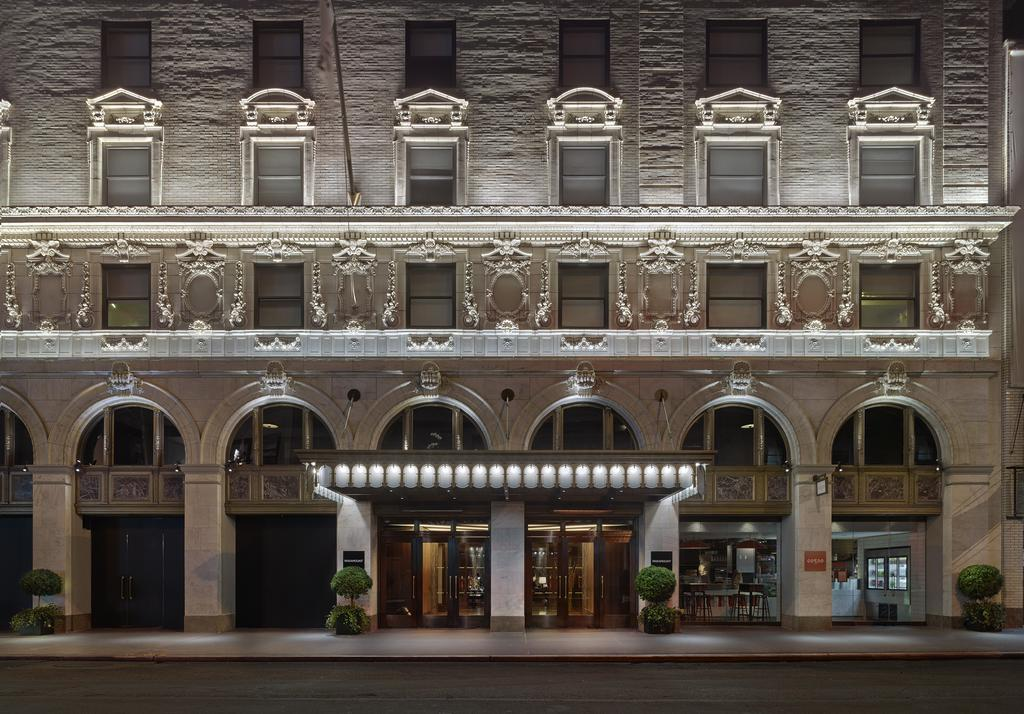 The Amazing Eclectic Design of Paramount Hotel in New York eclectic design The Amazing Eclectic Design of Paramount Hotel in New York The Amazing Eclectic Design of Paramount Hotel in New York 2