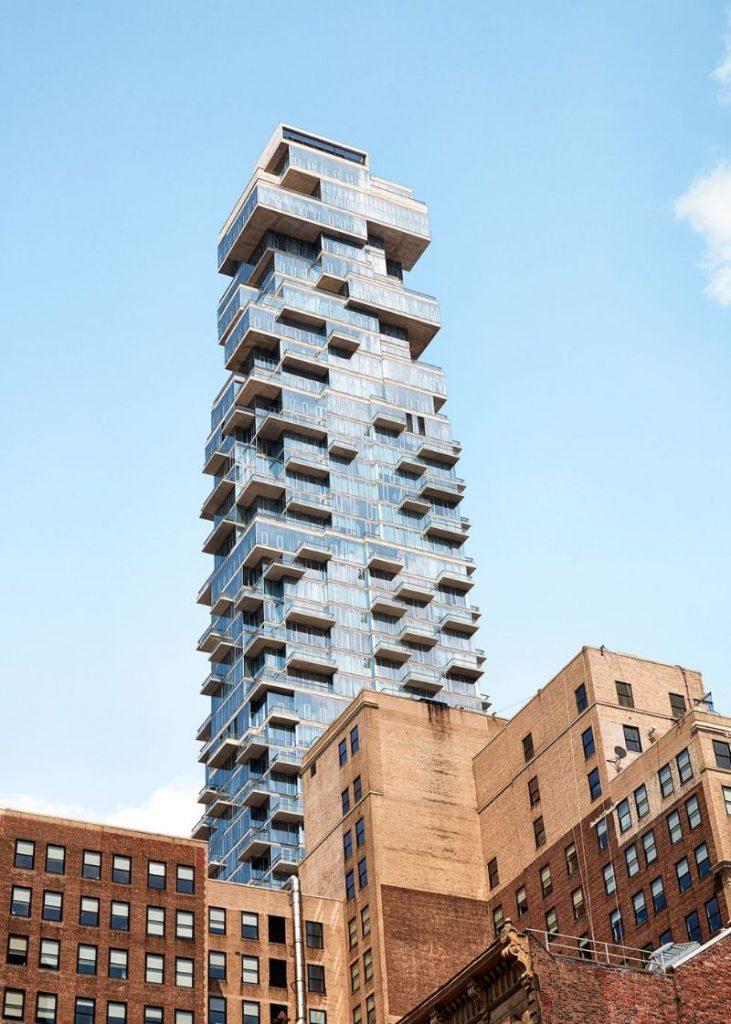 A Fantastic Modern New York Apartment by Richard Mishaan