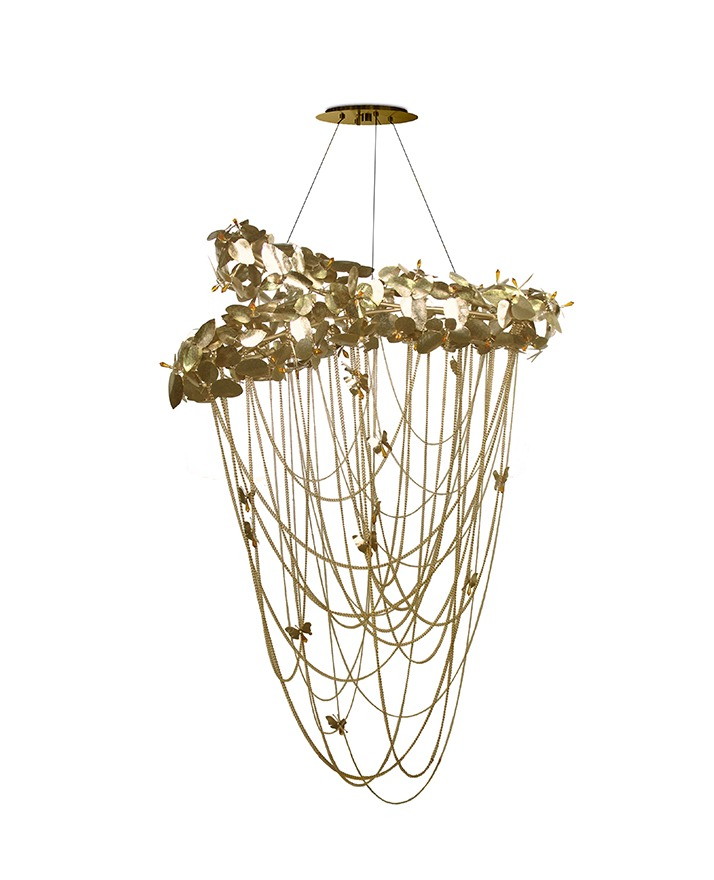 luxury Explore a Luxury Home in Texas by Talbot Cooley Interiors mcqueen chandelier 01