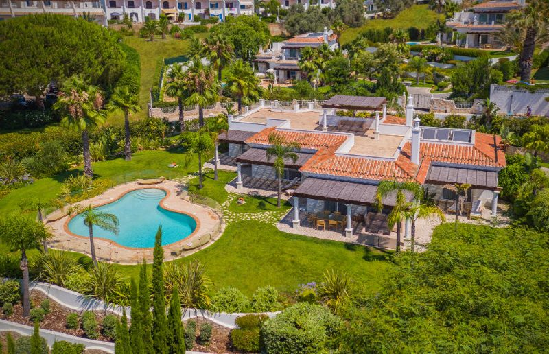 Vila Vita Hotel The Ideal Luxury Getaway in The Algarve vila vita Vila Vita Hotel: The Ideal Luxury Getaway in The Algarve Vila Vita Hotel The Ideal Luxury Getaway in The Algarve 79 800x516