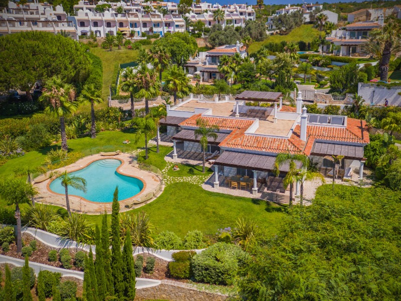 Vila Vita Hotel The Ideal Luxury Getaway in The Algarve vila vita Vila Vita Hotel: The Ideal Luxury Getaway in The Algarve Vila Vita Hotel The Ideal Luxury Getaway in The Algarve 79