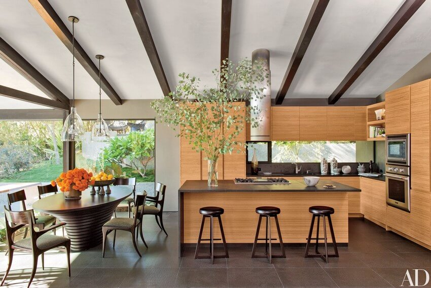 House Tour the indoor outdoor living of John Legend & Chrissy Teigen (9) indoor outdoor living House Tour: the indoor outdoor living of John Legend & Chrissy Teigen House Tour the indoor outdoor living of John Legend Chrissy Teigen 11